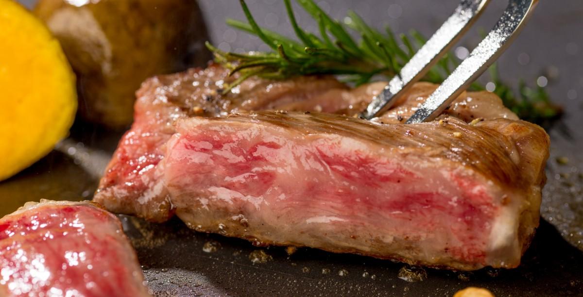 Мясо «Тоттори Вагю Олеин 55» (вагю — японская говядина)