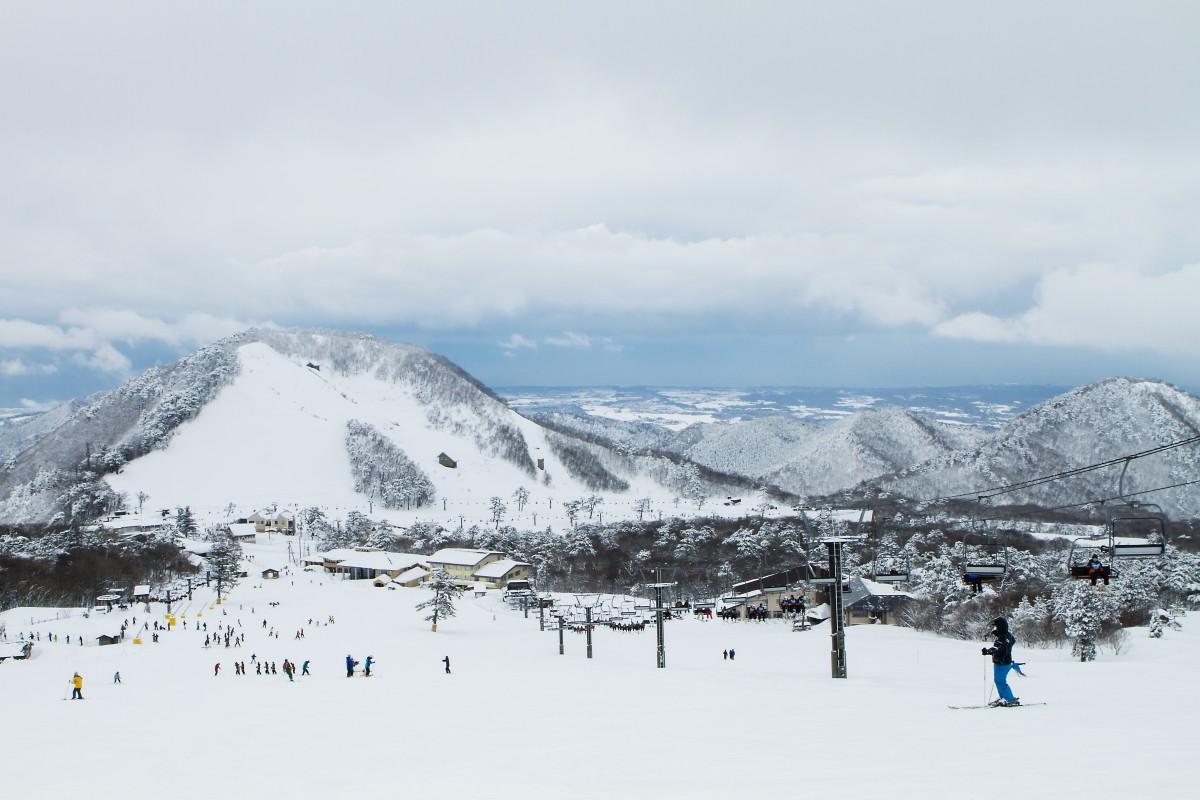 ไดเซ็น ไวท์ รีสอร์ท(ลานเล่นสกีขนาดใหญ่)